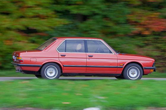 BMW 525i (E28)