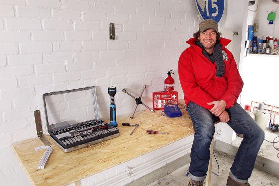 Klapp-Werkbank für enge Garagen