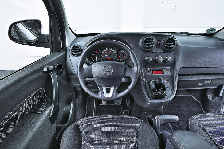 mercedes citan vs renault kangoo und vw caddy bilder. Black Bedroom Furniture Sets. Home Design Ideas