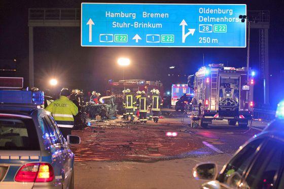 Unfallstelle auf der A1 bei Stuhr