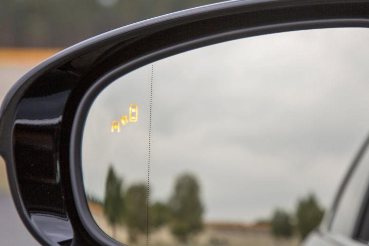 Lexus GS 450h Spurwechselassistent