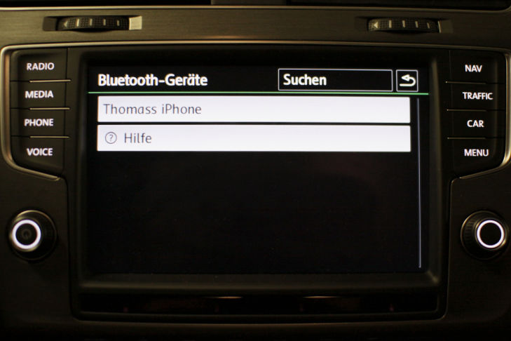 So verbinden Sie Ihr Smartphone mit dem Bordcomputer