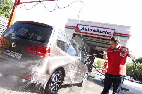 Fr-hlingsanfang-Autopflege-im-Fr-hjahr-Profi-Tipps-Weg-mit-dem-Winterdreck