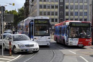 Bahn und Bus legen stark zu