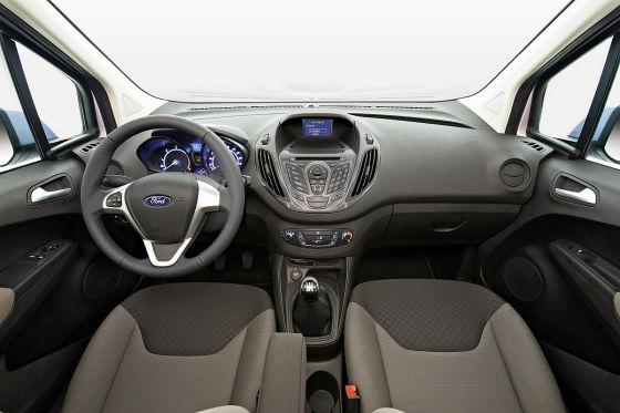 Ford Transit Courier (2014) Cockpit Amarturenträger