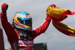 Alonso siegt daheim