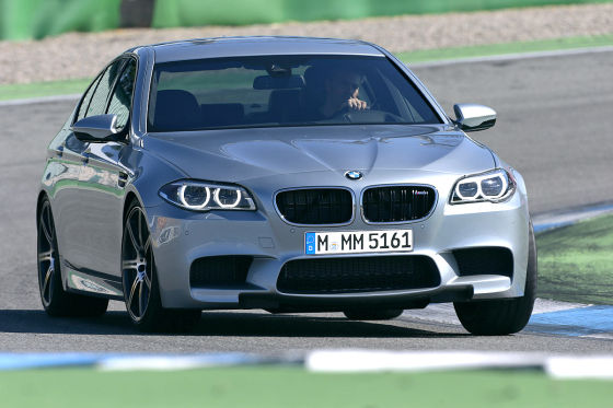 bmw m5 facelift und preis 2014. Black Bedroom Furniture Sets. Home Design Ideas