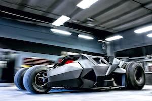 Batman Tumbler Replika Batmobil Straße