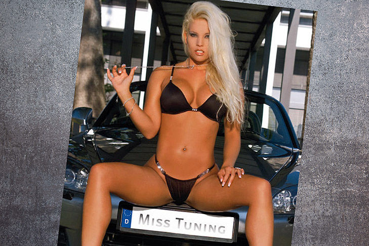 miss tuning nackt