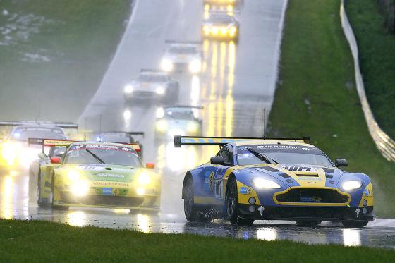 Aston Martin Vantage GT3 beim 24h-Rennen am Nürburgring 2013