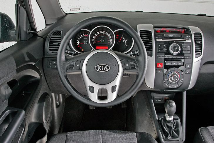 Kia Venga 1.4 CVVT Vision, Cockpit