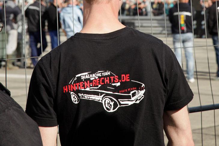 Bilder: Nazi-Aufmarsch bei Autotreffen