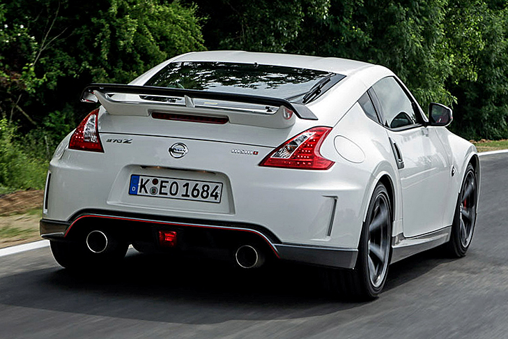 nissan 370z nismo fahrbericht tuning sportler. Black Bedroom Furniture Sets. Home Design Ideas