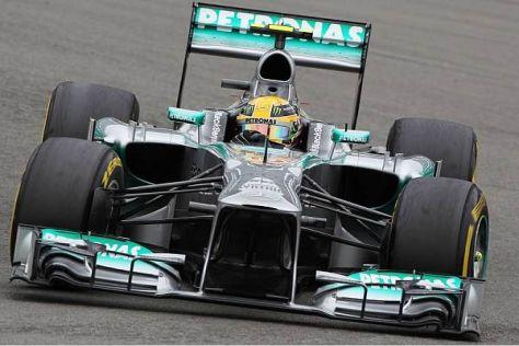 Hamilton hatte am Vormittag zu kämpfen und fuhr am Nachmittag dennoch auf die Pole