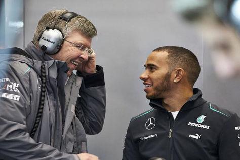 Klartext trübt ihr Verhältnis nicht: Lewis Hamilton mit Teamchef Ross Brawn