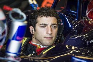 Red Bull winkt mit Zaunpfahl: Ricciardo testet