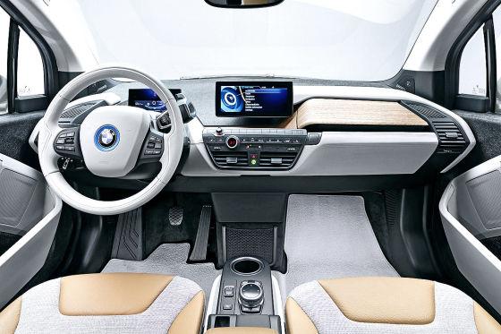 BMW i3 Cockpit Innenraum