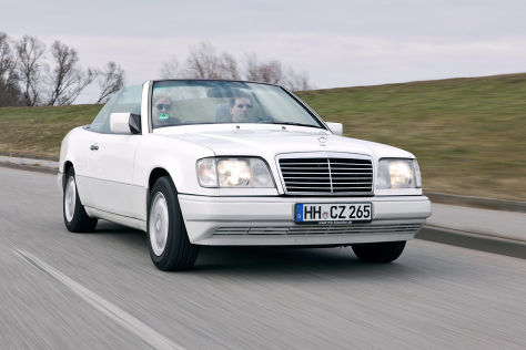 auto bild klassik test mercedes e 200 cabrio a 124. Black Bedroom Furniture Sets. Home Design Ideas