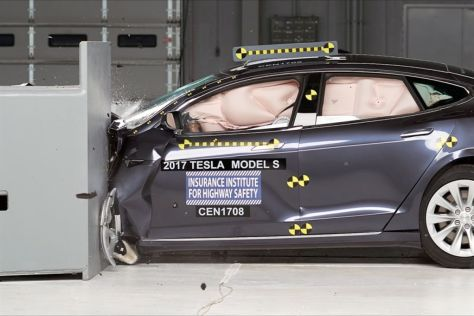 Tesla Model S im NHTSA-Crashtest