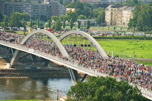 Mut zur Brücke