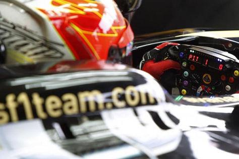 Kimi Räikkönen muss auf die Zähne beißen, um in Singapur zu fahren