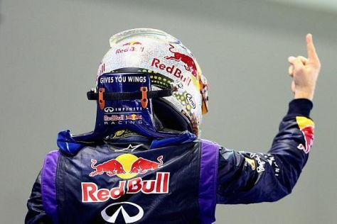 Sebastian Vettel und die Siegerpose: Für den Finger reichte die Kraft noch