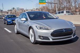 Model S überholt Golf