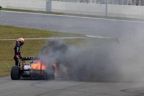 Mark Webber musste mit ansehen, wie sein Red Bull in Flammen aufging