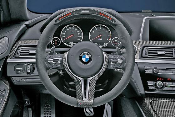BMW M-Performance-Lenkrad mit Display im BMW M6