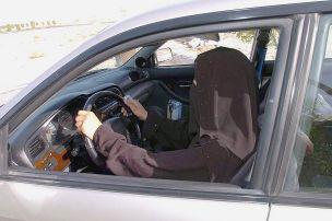 Frauenbewegung im Auto