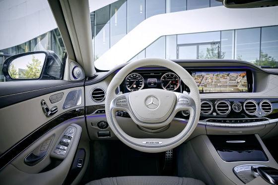 Mercedes S 65 AMG Cockpit