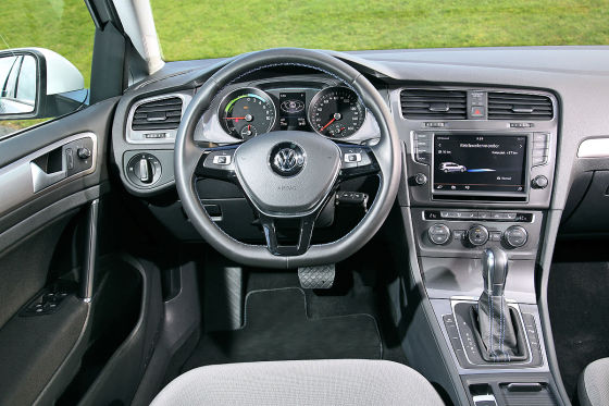 VW e-Golf Cockpit