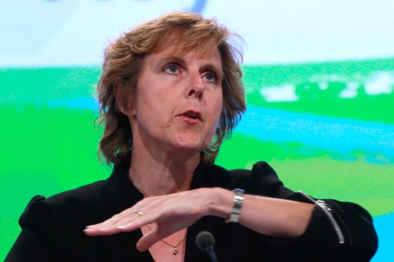 epa02954340 Dane Connie Hedegaard, European Commissioner for Climate Action gives a news conference on the publication of the 2011 Eurobarometer on public attitudes to climate change, at the EU headquaters in Brussels, Belgium, 07 October 2011. More than two Europeans in three see climate change as a very serious problem and almost 80 per cent consider that taking action to combat it can boost the economy and jobs. EPA/OLIVIER HOSLET