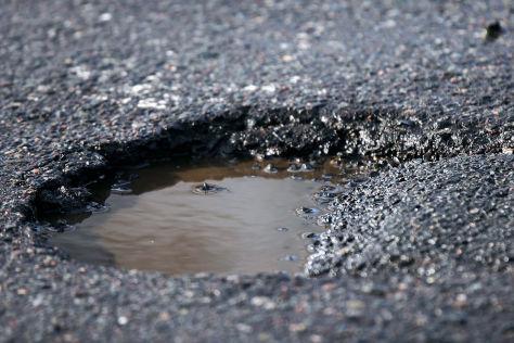 NRW muss für Autobahn-Schlagloch haften