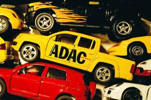 Autobauer distanzieren sich