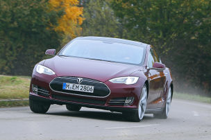 Tesla Model S: Leasing mit Sixt