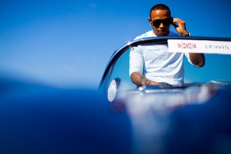 Lewis Hamilton mit modischer Brille: Er zieht an, was ihm gefällt