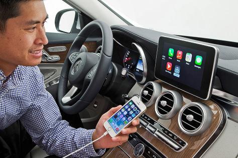 Mercedes: CarPlay-App bringt iOS vom Handy ins Auto