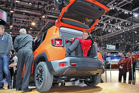 jeep renegade sitzprobe auf dem genfer autosalon 2014. Black Bedroom Furniture Sets. Home Design Ideas