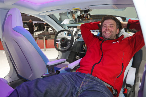 Rinspeed XchangE: Sitzprobe auf dem Genfer Autosalon 2014