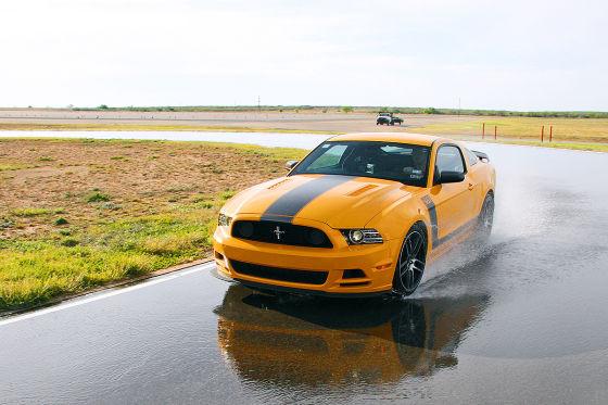 Ford Mustang Boss 302, Sommerreifen-Test
