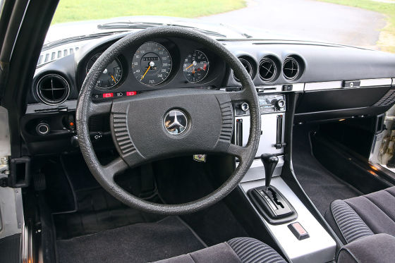 Mercedes 350 SLC C 107