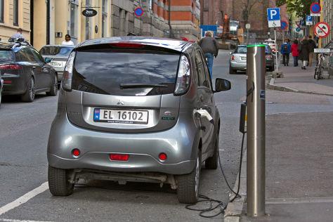 Aus Mitsubishi i-MiEV wird Mitsubishi Electric Vehicle ...