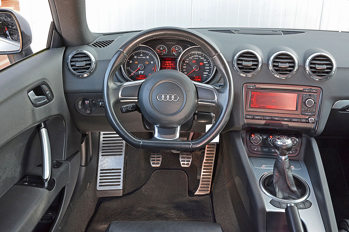 Audi tt 8n innenraum