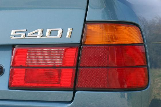 BMW 540i (E34)