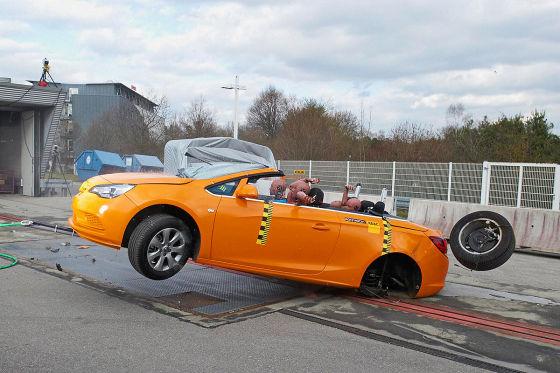 ADAC-Überschlagstest: Opel Cascada
