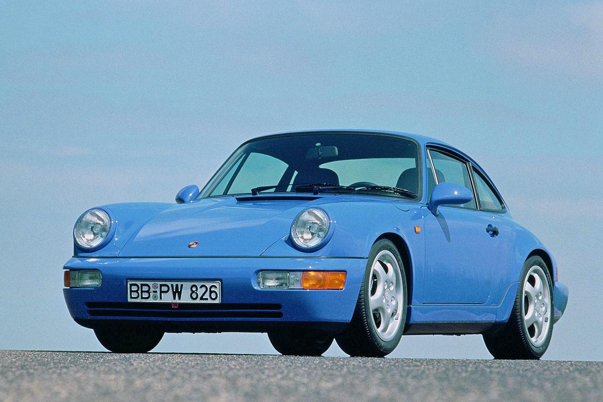 Porsche 911 in Rivierablau