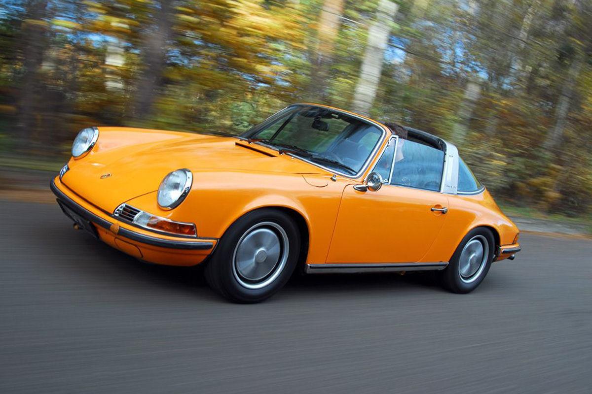 Porsche 911 in Signalorange