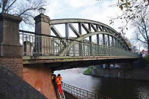 Sieben Brücken fallen durch