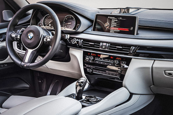 BMW X6 M50d Cockpit